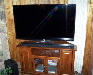 FLAT-SCREEN TV & CABINET