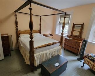 Tiger maple 4 poster bed with canopy rails, 18th century