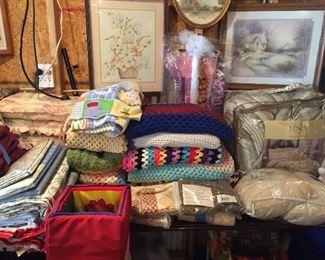 Crochet blankets & Bedding