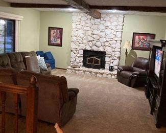 . . .  a view of the sectional and leather recliner -- kitty cat not for sale!