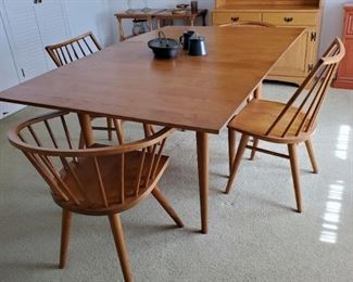Mid-Century Modern Russell Wright Dining Table,  Leslie Diamond Two Captains and Two Side Dining Chairs for Conant Ball