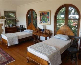 Antique ex long twin beds
