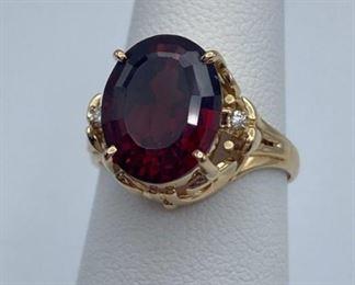 18k gold garnet ring, size 6