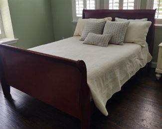 Queen size bed, Lexington