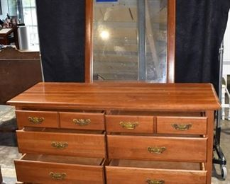 Colonial 8 Drawer Dresser with Detached Mirror