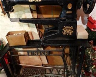 Singer Industrial Long Arm Sewing Machine