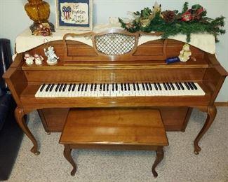 Story & Clark Spinet Piano, Very Nice