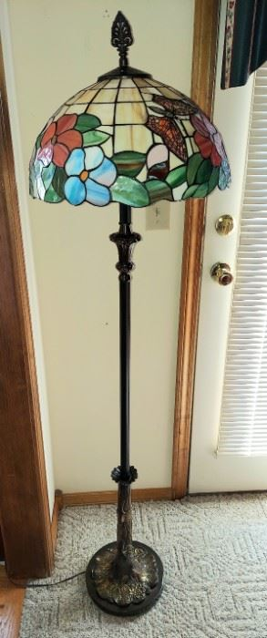 Modern Floor Lamp w/Tiffany Style Shade
