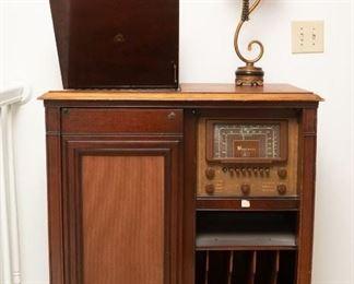 1940s Magnavox Radio and Phonograph Console