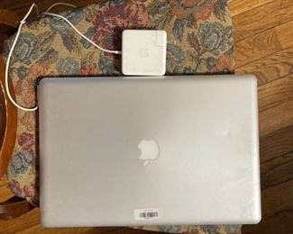MacBook Pro 17-inch core i7 2.4 late 2011 with charger (powers on but on shows a blank screen after booting then tries to reboot)