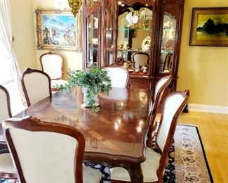 Century, Dining Room Table,  8 chairs, 2 leaved, table pads,  China Century Cabinet