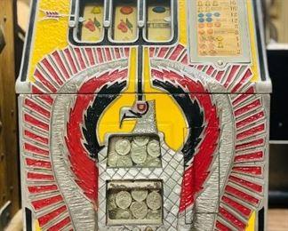 1930s Mills War Eagle quarter slot machine With key