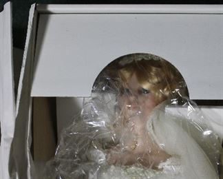 Seymour Mann large bride doll - MINT - New in Box!
