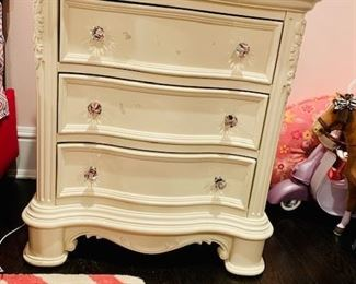 Bedroom Set 2  Cream 3 Drawer Bureau w Jeweled Handles