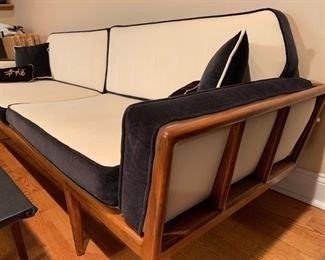 Mel Smilow - Thielle Mid Century Modern Sofa 178.708