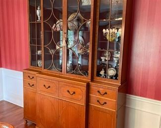 Baker Furniture Display Cabinet - AMAZING STYLE