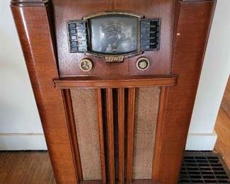 Antique Zenith Short Wave Radio