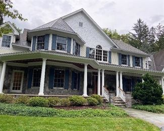 Gorgeous Million Dollar Home, BeautifullyDecorated, Mint Condition!