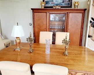 Oak dining room table , 8 parson chairs