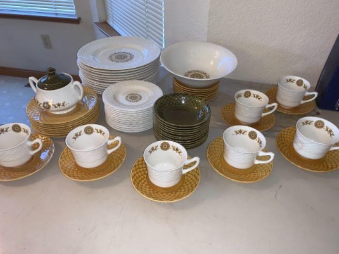 Gold medallion tea set