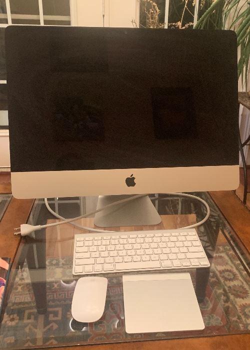 """2012 Mac Desk Top 21.5"""""""