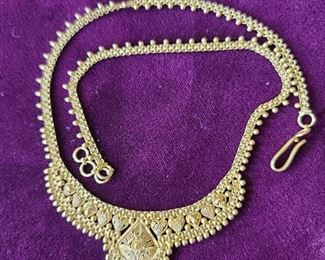 21k necklace 14 gr. It is in an excellent shape. $810