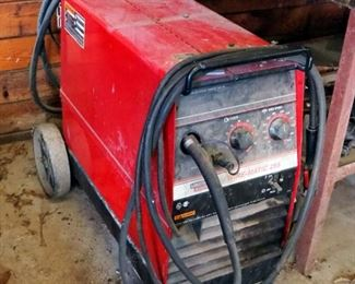 Lincoln Electric Wire-Matic 225 Welder, Includes Tank And Cables