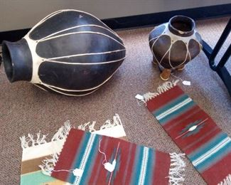 Pottery Urn Small rugs