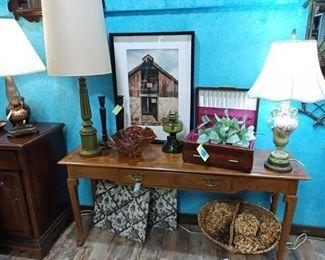 Sofa table/ lamps / decor / art