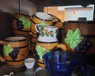 mugs and pitcher set