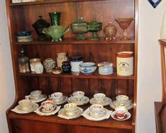 NICE DANISH MODERN CHEST WITH SHELVES, DISPLAYING MANY FINE PIECES OF CHINA,MUGSAND POTTERY