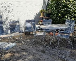 Woodard patio furniture, chase lounge