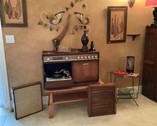 Retro stereo and accessories