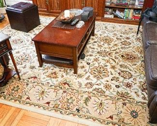 8 x 11 rug Macy's Excellent condition