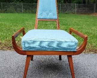 1 Unique Mid Century Chair