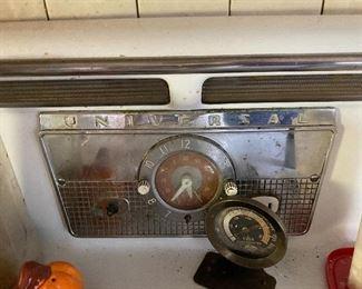 Vintage Universal stove - works!