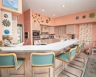 Gorgeous kitchen - lovely teal bar stools