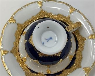 Meissen Porcelain B Form Royal Blue and Gold Thirty-Two (32) Piece Set