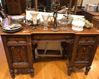 Desk / Vanity