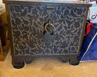Russian Safe - iron painted antique very rare - very special Lockbox