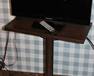 TV and a fantastic retro TV stand