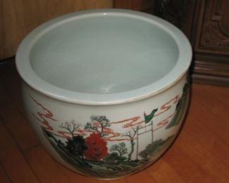 large Chinese urn, large decoration