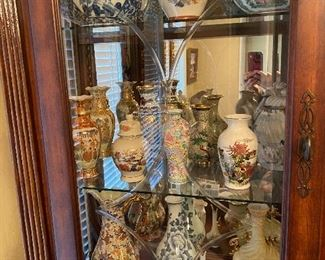 Miscellaneous collectors vases from Japan, China, Germany and USA.