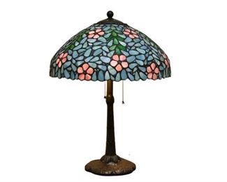 6. Tiffany Style Table Lamp With Leaded Glass Shade
