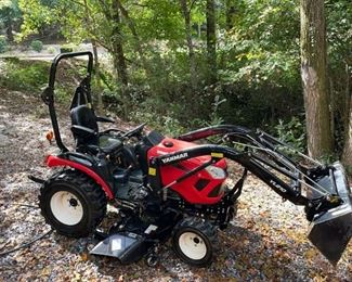 Lot #1000: 2020 Yanmar 324 Tractor 115 Running Hours with Extra Attachments