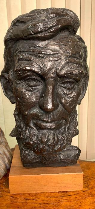 Abraham Lincoln Head Statue