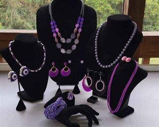 003 4 Necklaces, 1 Bracelet, 1 Ring  5 Earrings