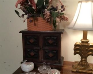 Jewelry box and miscellaneous glass collectibles