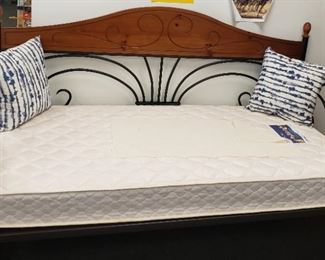 13. New Day Bed