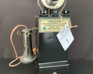 Gray WANAMAKER Pay Station in excellent condition with keys